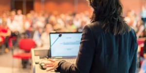 Söker du föreläsare om PR för småföretagare och entreprenörerr?