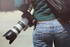 Reporter med kamera.